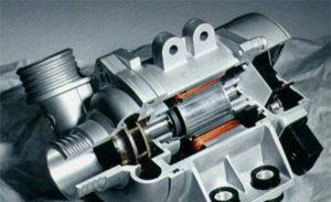 Електронската пумпа за вода на BMW има толку многу предности и може да заштеди гориво